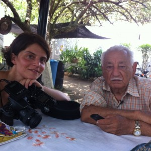 G. Márquez iskolatársával szülőfalujukban, Aracatacában