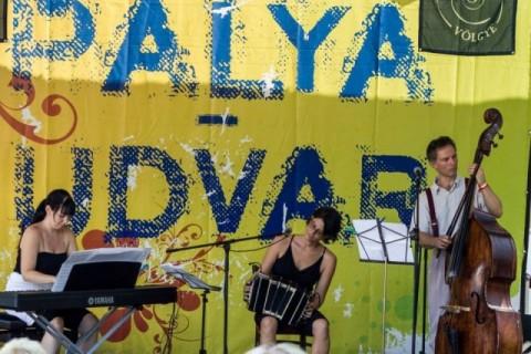 Palya Udvar, Kapolcs, Trio de La Plata